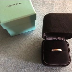 TIFFANY & CO LOVE NOTES RING SIZE 4